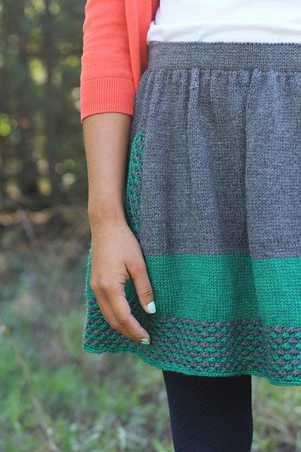 Изюминка теплого образа - вязаная юбка